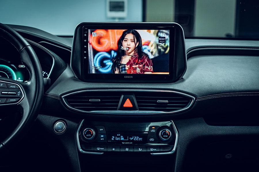 man hinh android cho xe santafe