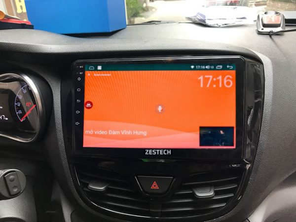 Màn hình dvd android xe Vinfast Fadil hiện đại, ra lệnh bằng giọng nói, không cần thao tác tay