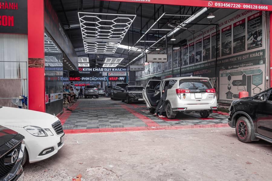 Với garages rộng rãi thoải mái cho bạn đậu xe