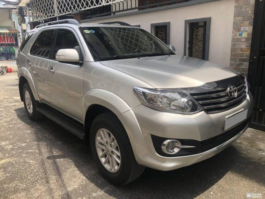 xe Fortuner