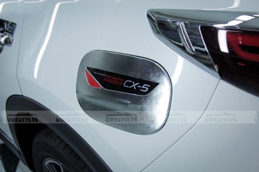 Ốp nắp xăng CX5