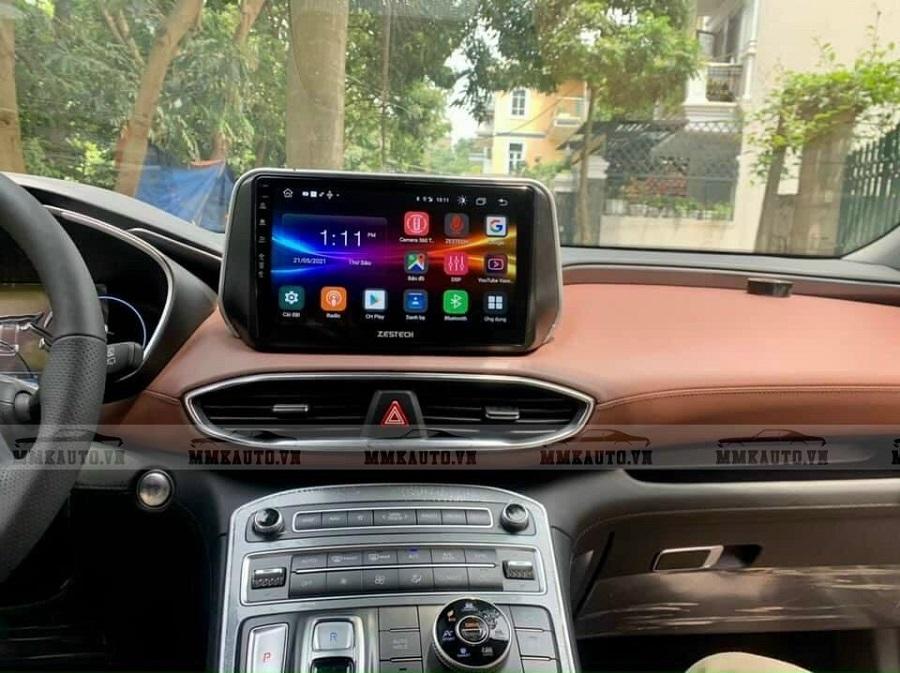 Hình ảnh thực tế màn hình Android cho xe Santafe 2021