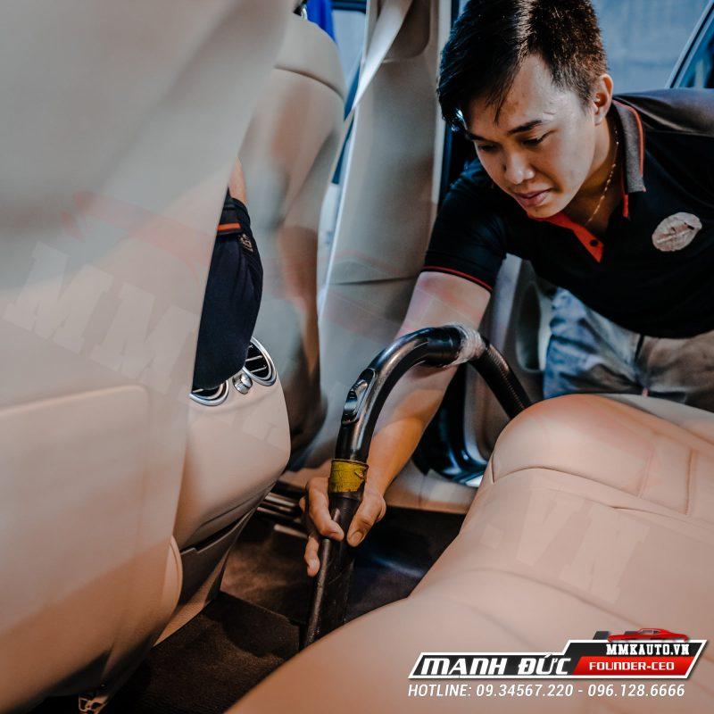 Dọn nội thất Mercedes tại MMK Auto
